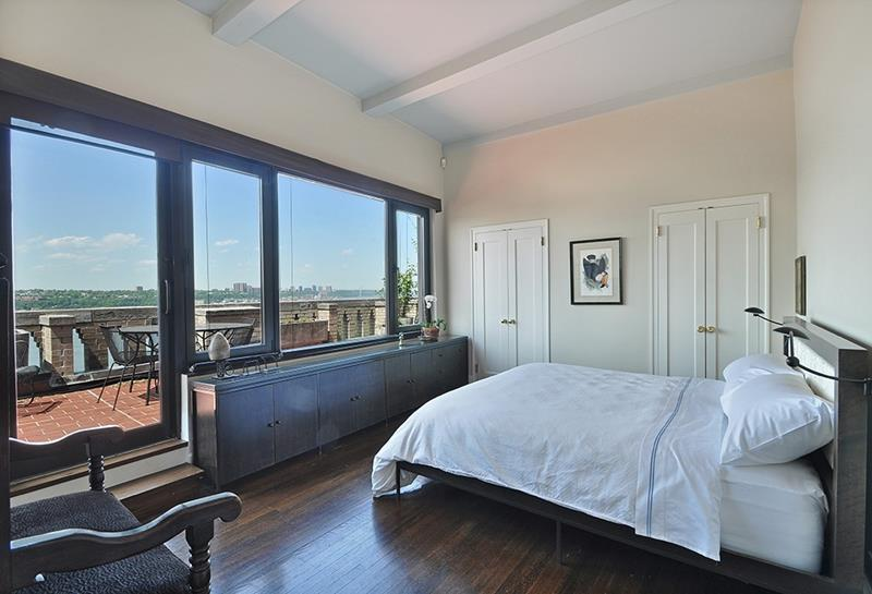 25 Master Bedrooms with a View-23