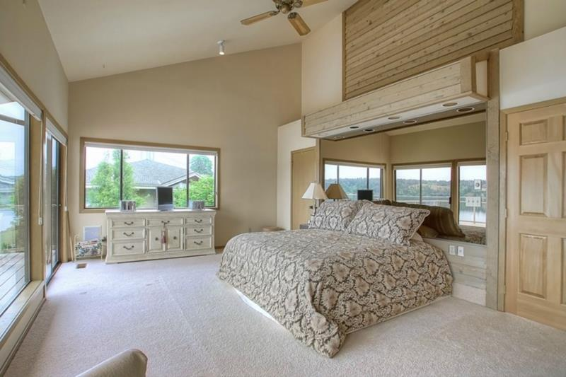 25 Master Bedrooms with a View-4