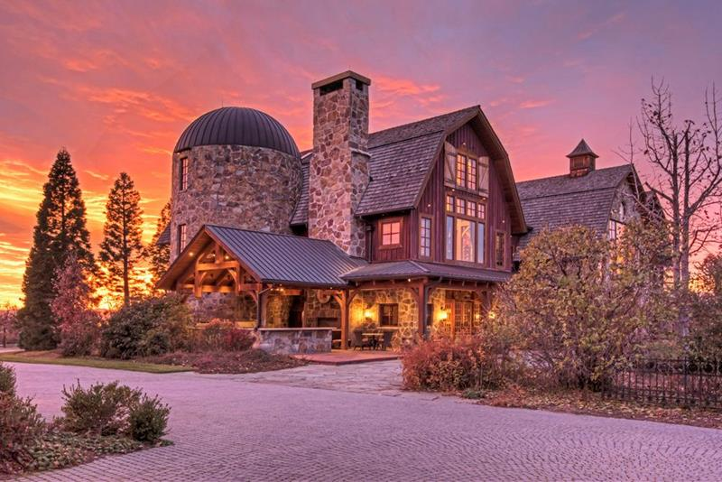 25 Photos of a Jaw Dropping 20 Million Barn Home In Utah-2