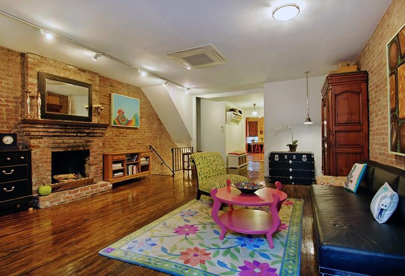 24 Design Ideas for Living Room Walls-24