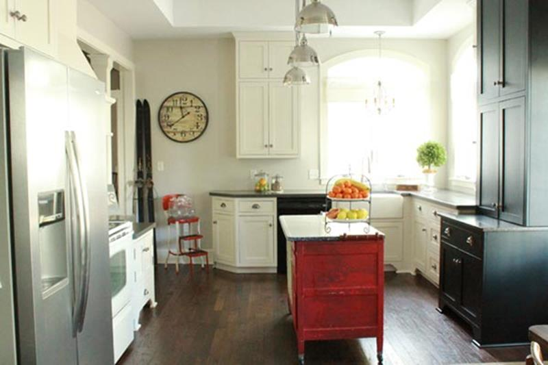 BEFORE AND AFTER 12 Kitchen Remodeling Projects-12b