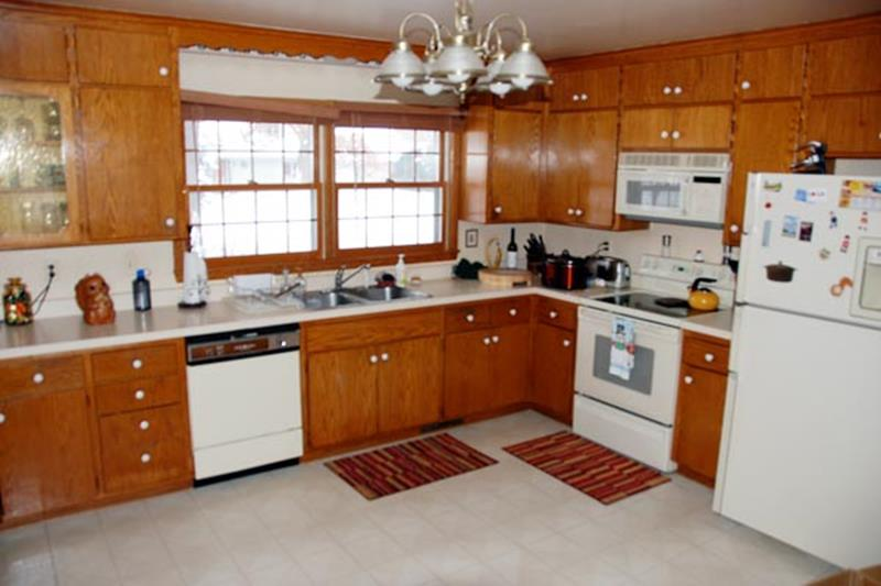 BEFORE AND AFTER 12 Kitchen Remodeling Projects-3