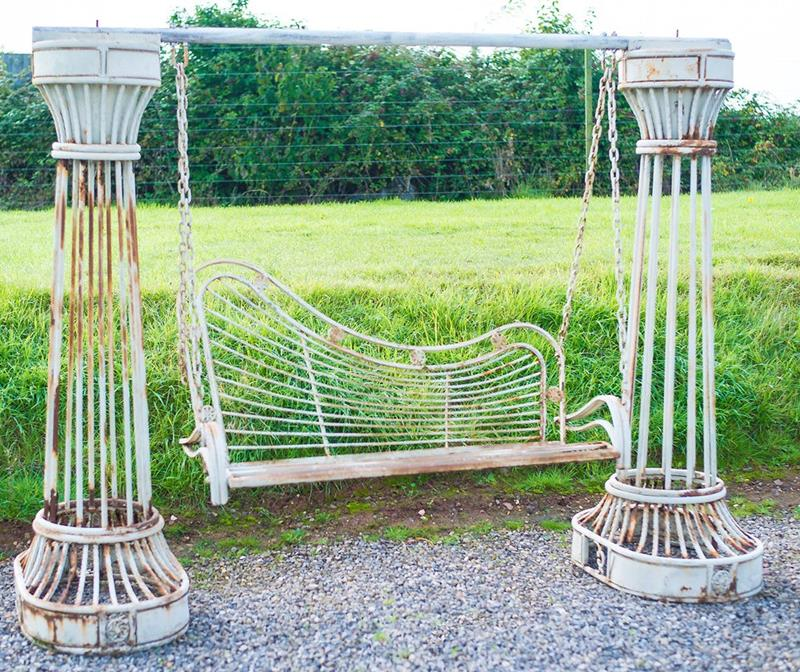 16 Amazing Ideas for Using Antiques in Your Garden-16