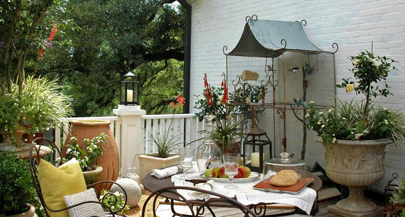 16 Amazing Ideas for Using Antiques in Your Garden-5