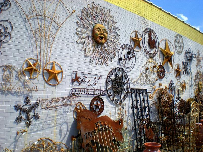 16 Amazing Ideas for Using Antiques in Your Garden-9