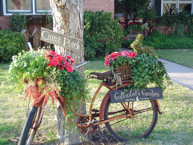 16 Amazing Ways to Enhance Your Garden with Recycled Items-5