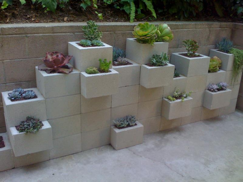 17 Charming Fence Planter Ideas for Your Home-10