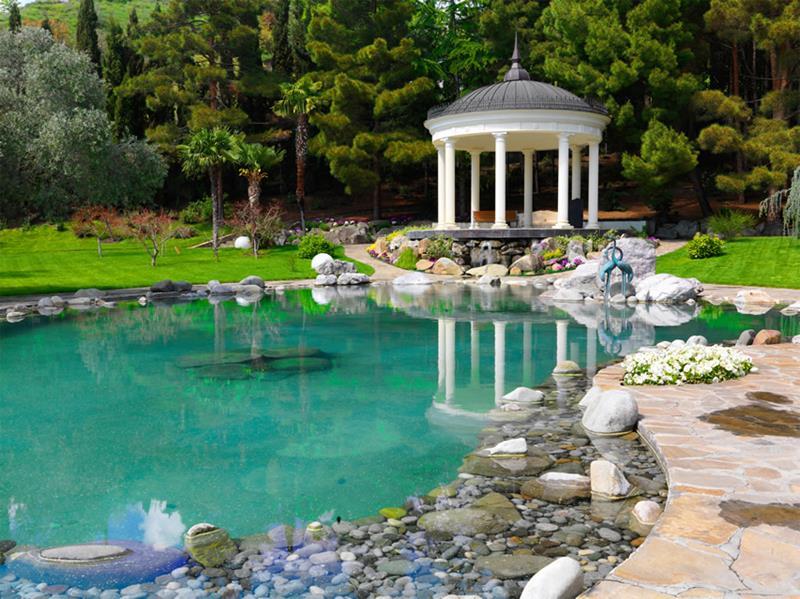 18 Wonderful Ideas for a Garden Pond-16
