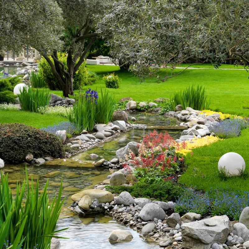 18 Wonderful Ideas for a Garden Pond-5