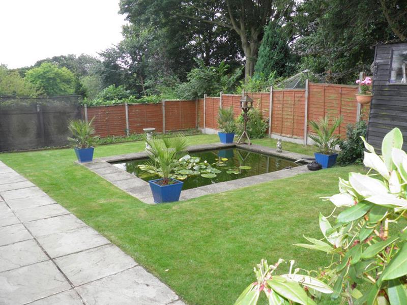 18 Wonderful Ideas for a Garden Pond-7