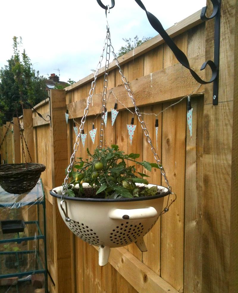 19 Inspirational Ideas for Recycled Hanging Baskets-9