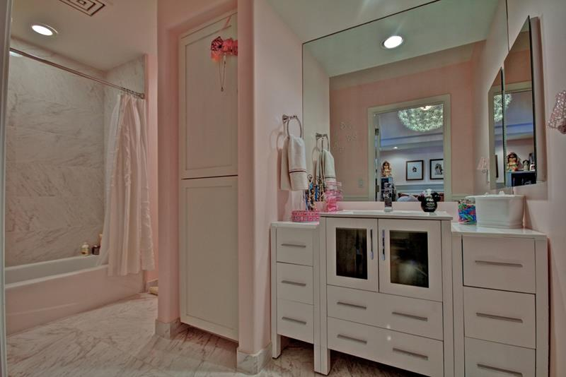 23 Amazing Ideas For Bathroom Color Schemes-10