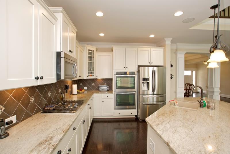 24 Beautiful Granite Countertop Kitchen Ideas-21