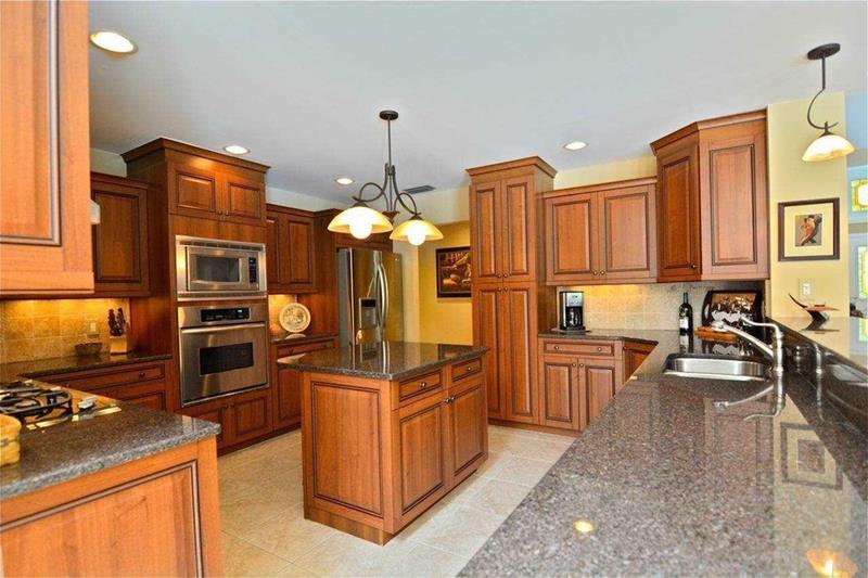 24 Beautiful Granite Countertop Kitchen Ideas-7