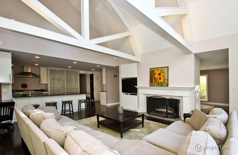 25 Gorgeous Living Room Ceiling Design Ideas-18