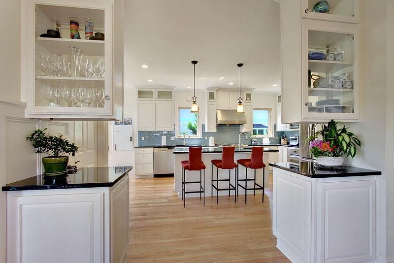 The 25 Most Gorgeous White Kitchen Designs For 2018-20