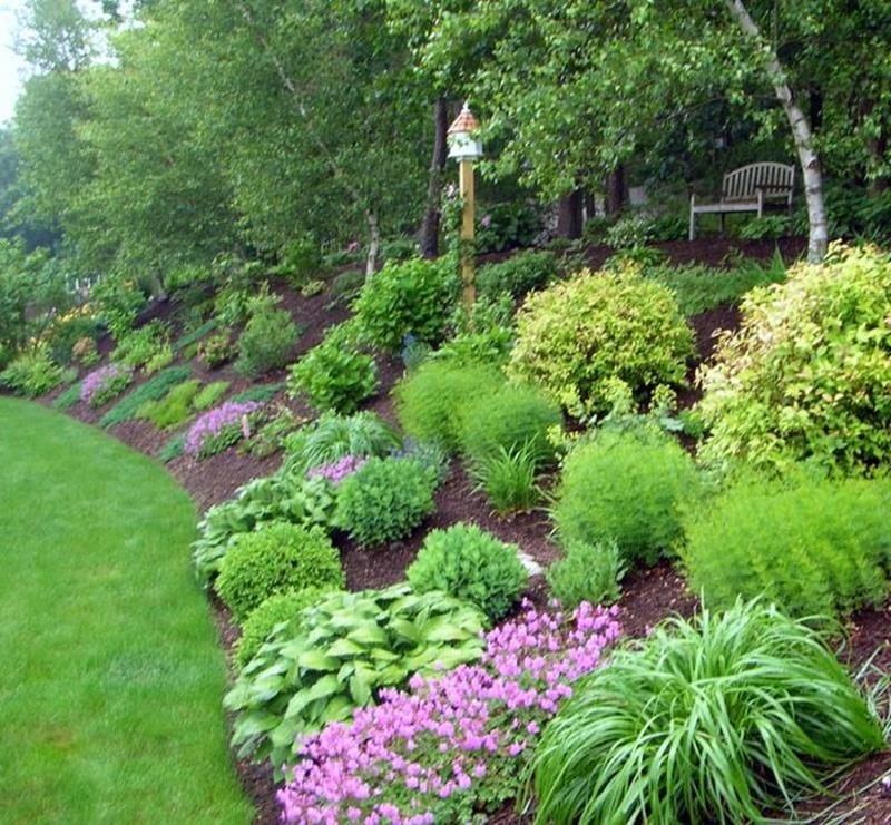 19 Backyards with Amazing Landscaping-15