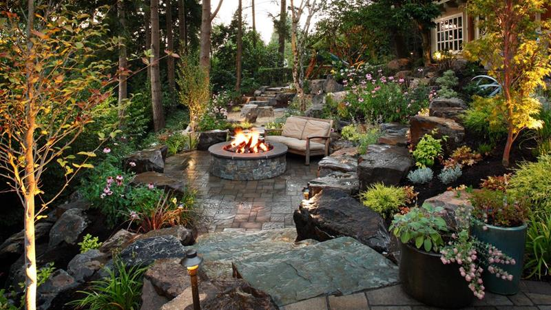19 Backyards with Amazing Landscaping-19