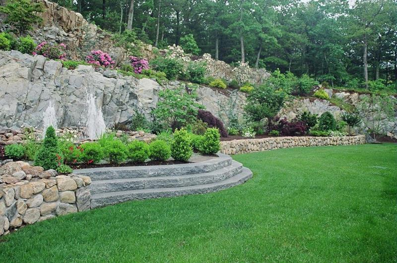 19 Backyards with Amazing Landscaping-4