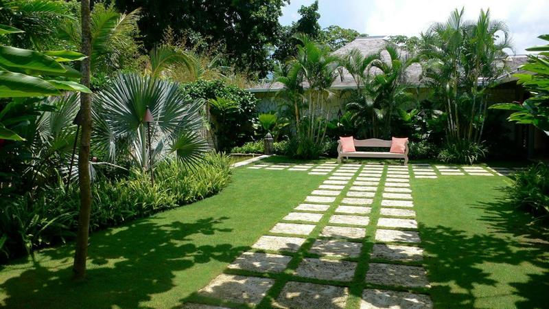 19 Backyards with Amazing Landscaping-title