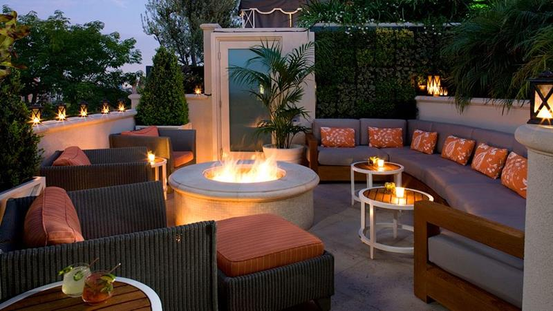 20 Stunning Backyard Fire Pits-1