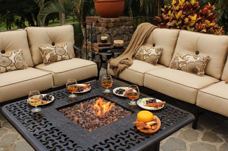 20 Stunning Backyard Fire Pits-11