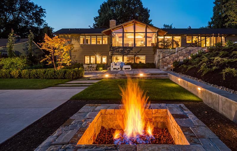 20 Stunning Backyard Fire Pits-15