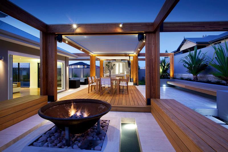 20 Stunning Backyard Fire Pits-19