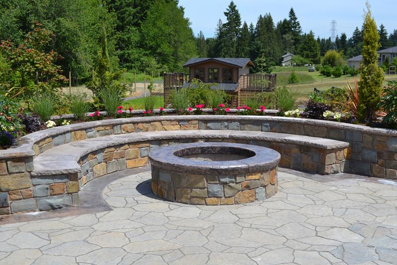 23 Backyard Fire Pit Designs-1