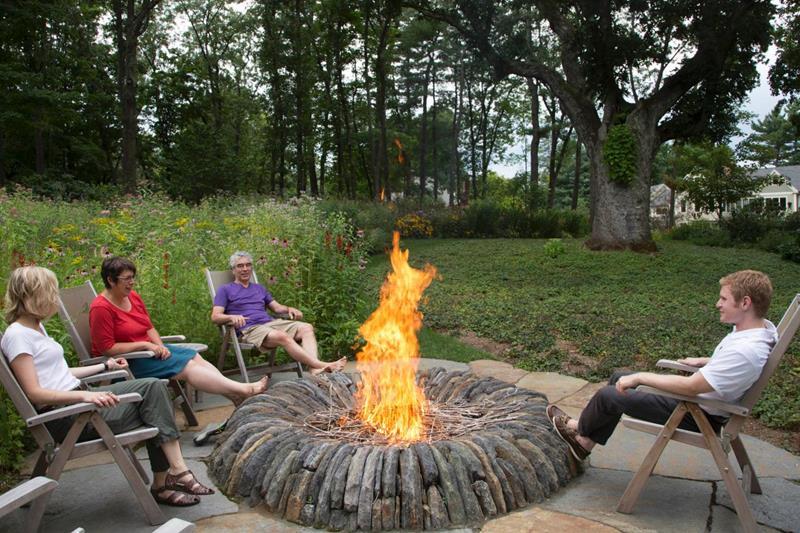 23 Backyard Fire Pit Designs-12