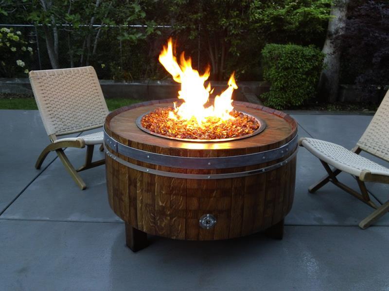 23 Backyard Fire Pit Designs-14