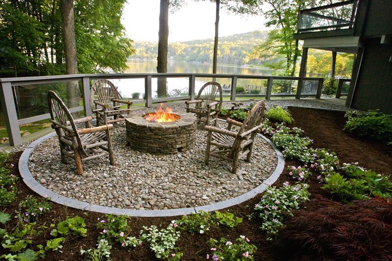23 Backyard Fire Pit Designs-17