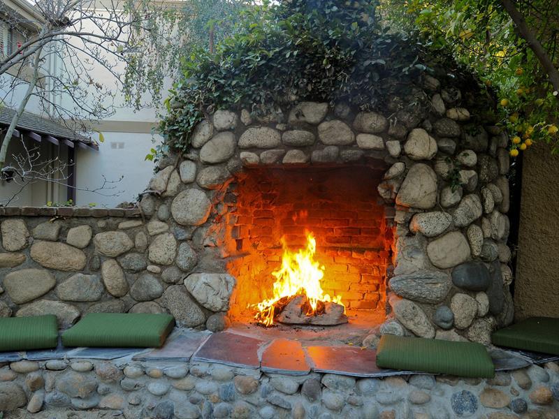 23 Backyard Fire Pit Designs