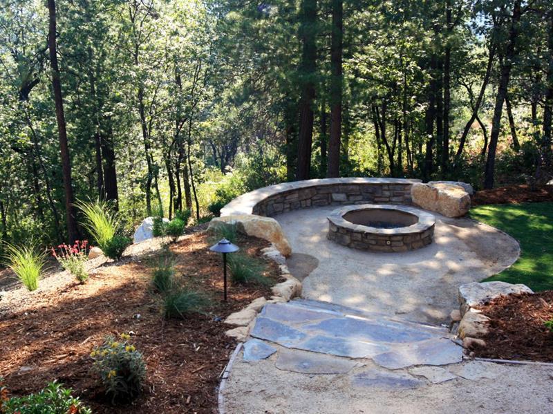 23 Backyard Fire Pit Designs-4