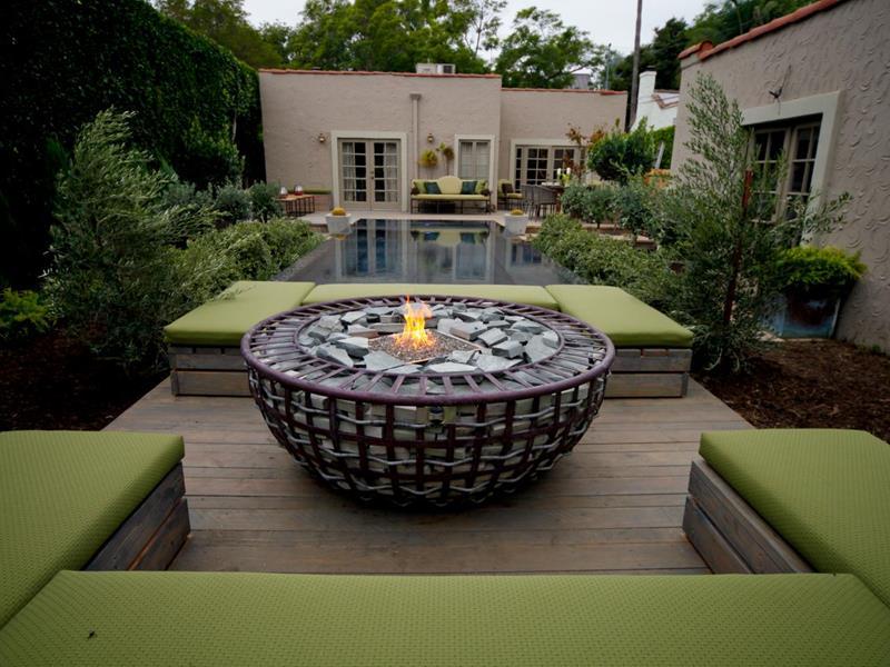 23 Backyard Fire Pit Designs-5