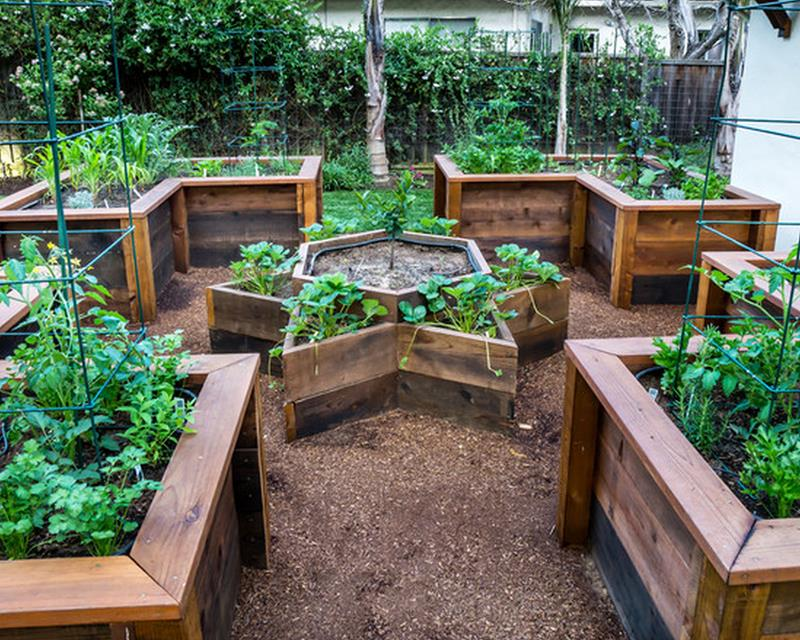 24 amazing ideas for wooden raised garden beds