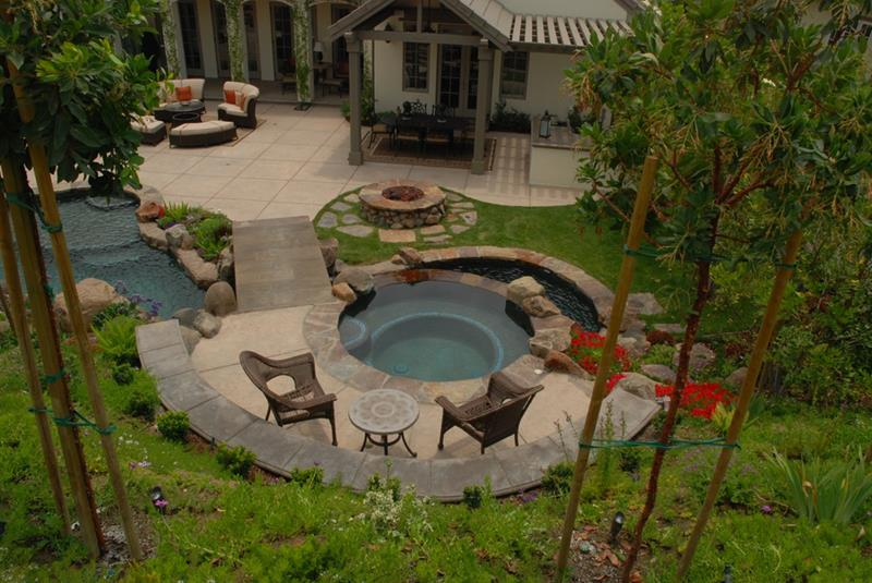24 Backyard Fire Pits Perfect for Summer-13