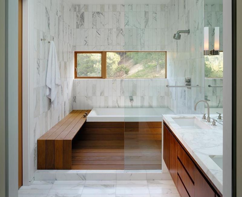 24 Beautiful Ideas for Master Bathroom Windows-24
