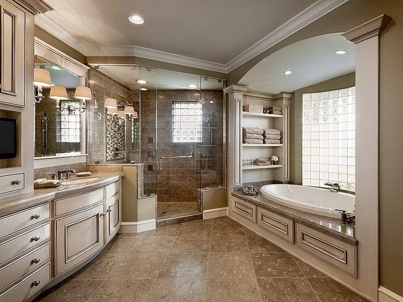 24 Beautiful Ideas for Master Bathroom Windows-6