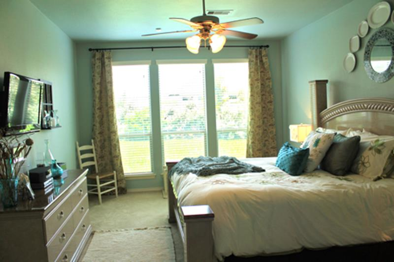 24 Pictures of Before and After Master Bedrooms with Cost-12