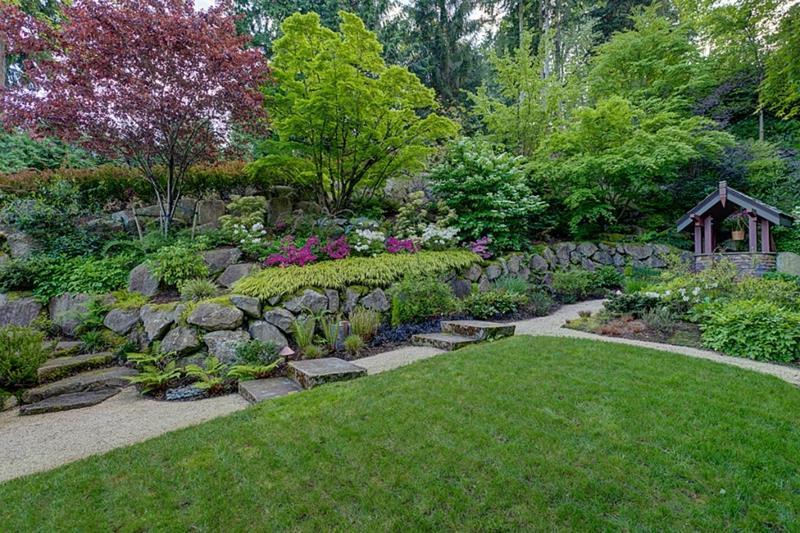 25 Beautiful Ideas for Garden Paths-17