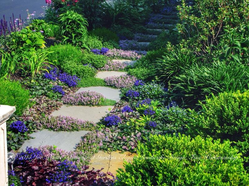 25 Beautiful Ideas for Garden Paths-19