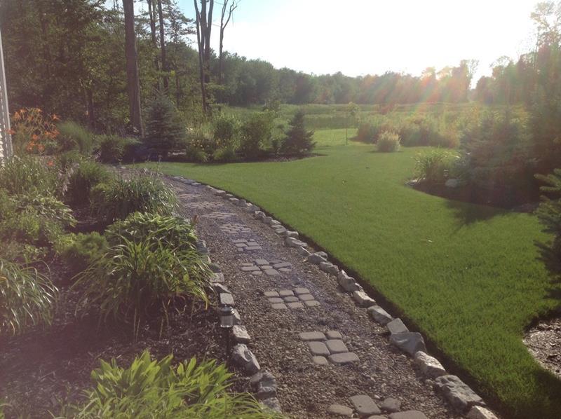 25 Beautiful Ideas for Garden Paths-20
