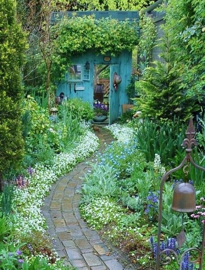 25 Beautiful Ideas for Garden Paths-8