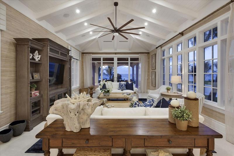 25 Professionally Designed Living Rooms-9