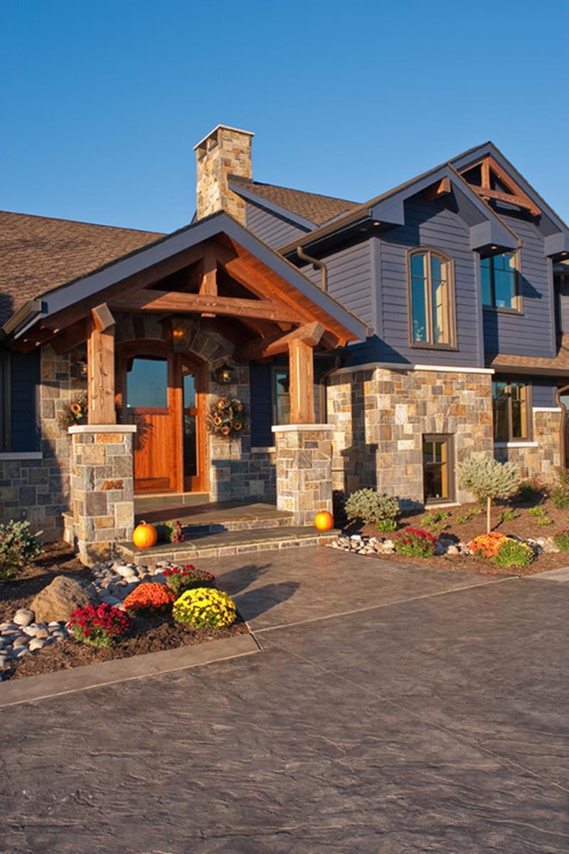 25 Stunning Home Exteriors-20