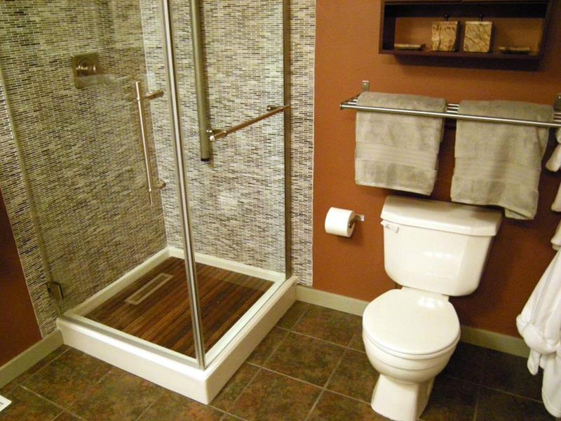 10 Amazing Before and Afters of Bathroom Remodels-3a