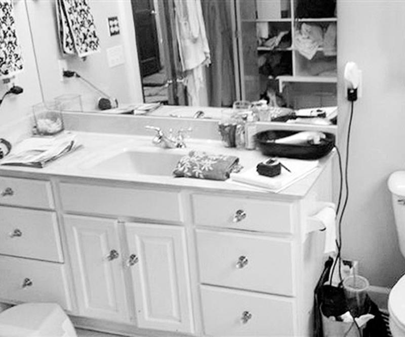 10 Amazing Before and Afters of Bathroom Remodels-4