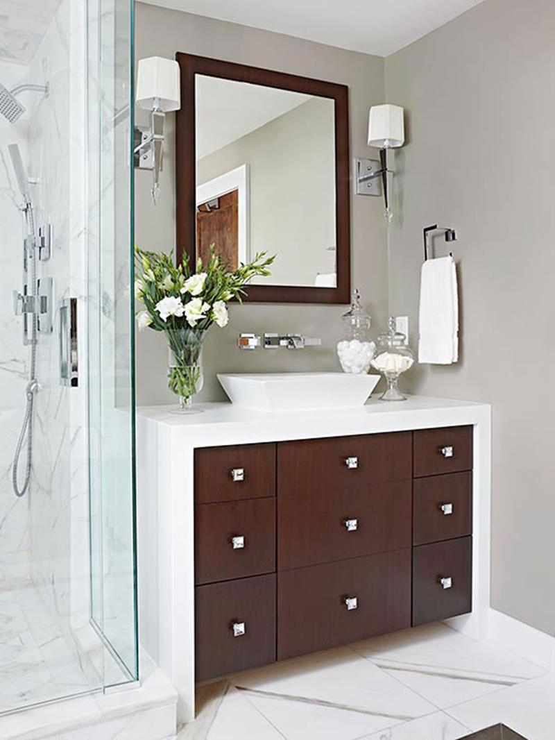 10 Amazing Before and Afters of Bathroom Remodels-4a