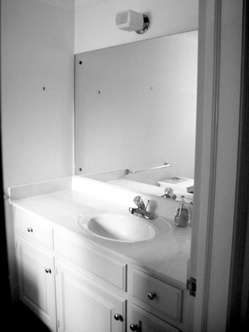 10 Amazing Before and Afters of Bathroom Remodels-5